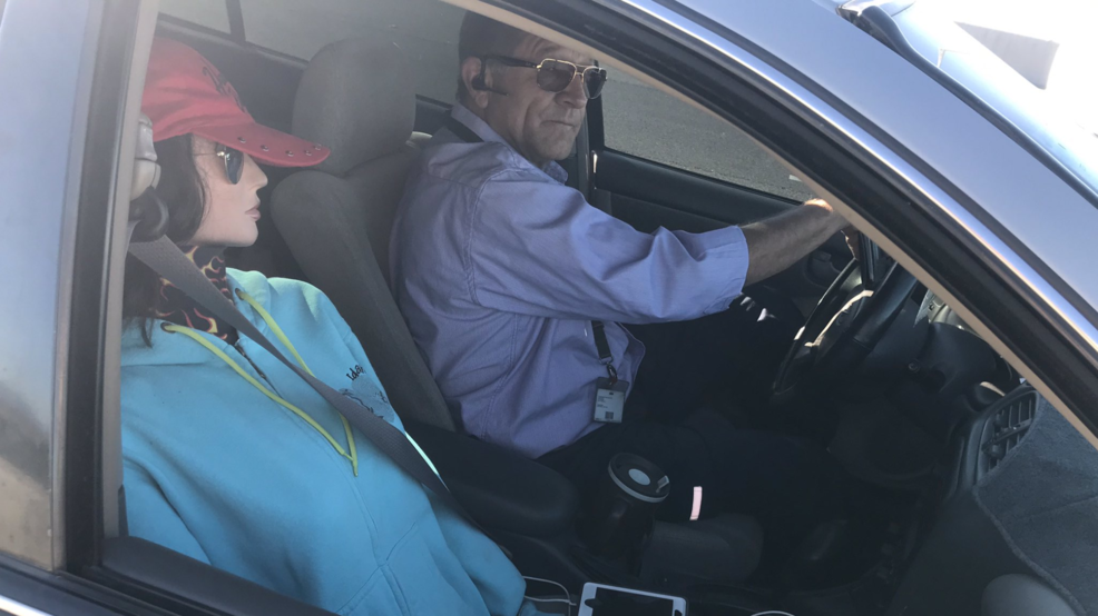 Man tries to hack the carpool lane by using a mannequin