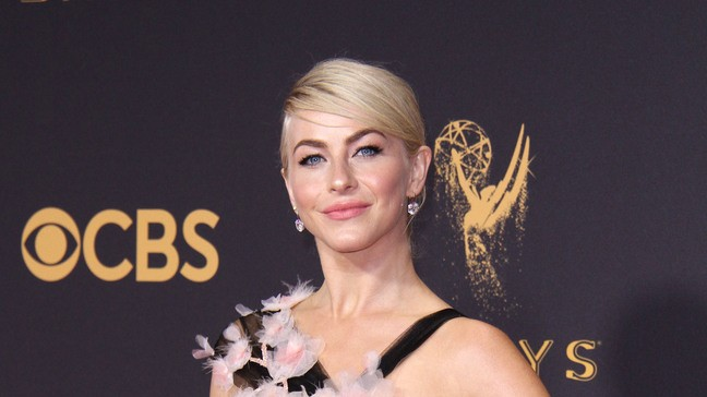 Julianne Hough Will Play Jolene In Parton Anthology Show Wjac