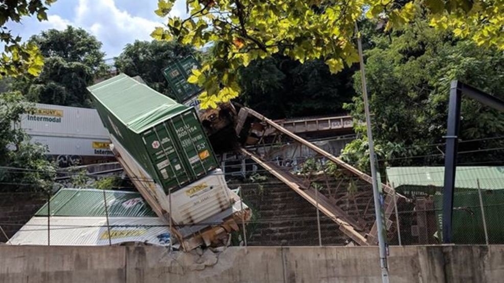 7 rail cars from freight train derail in Pittsburgh | WJAC