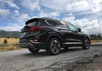 2019 Hyundai Santa Fe: Next Gen SUV Gets Bolder Design, Upgraded Materials  [First Look]