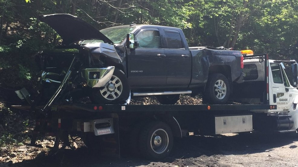 Multiple injuries reported in four-vehicle crash in Bedford
